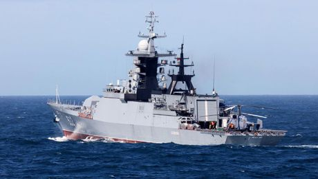Russian Warships Escorted Through English Channel