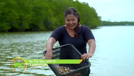 By The Sea With Ili #3 | Asian Food Channel
