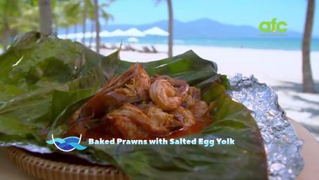 Baked Prawn with Salted Egg Yolk | By the Sea with Ili | Asian Food Channel