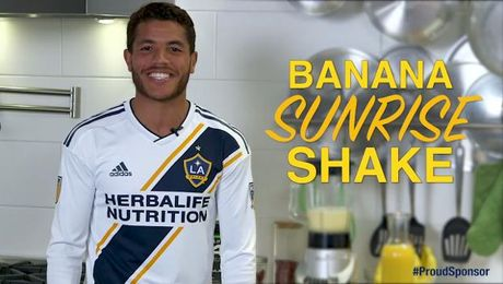 Banana Sunrise shake with Jonathan dos Santos