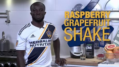 Raspberry Grapefruit shake with Emmanuel Boateng
