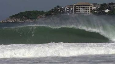 Pedro Calado Big Rider - Swell XL em Puerto Escondido com feras do surfe