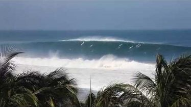 Puerto Escondido Challenge Warm-up Freesurf Session - The Inertia